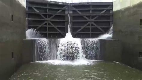 Erie Canal Locks Time Lapse HD Video - YouTube